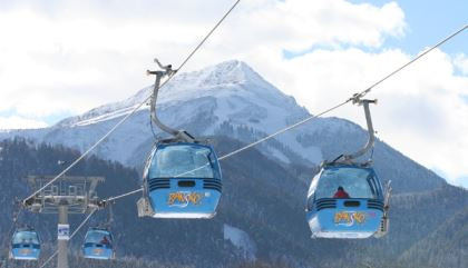 Ski lifts in luxury resort | Lucky Bansko SPA & Relax
