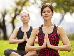 Women do yoga in the morning | Lucky Bansko SPA & Relax