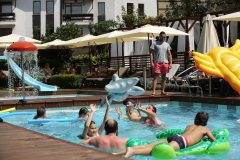 Outdoor swimming pool 9 | Lucky Bansko