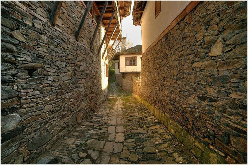 Old route in the village of Kovachevitsa