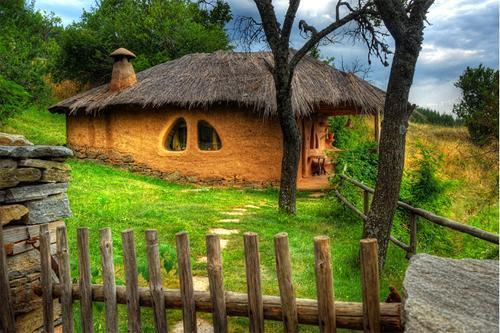 Beautiful house in the village of Leshten