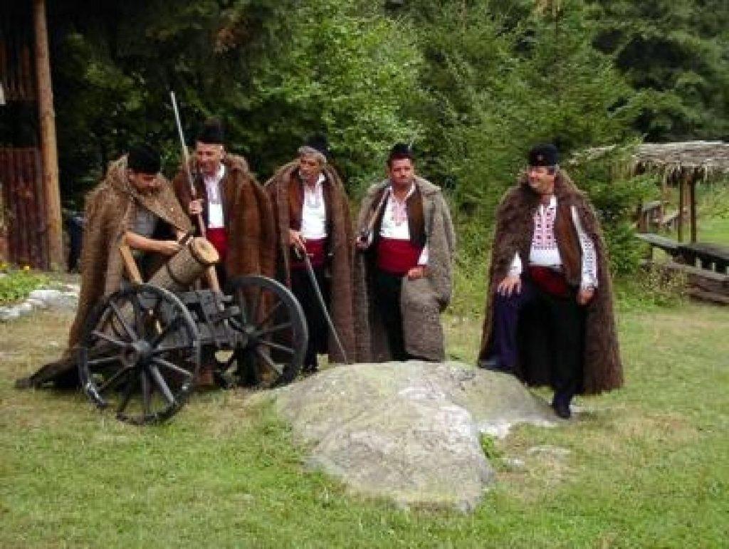 Folklore picnic in Pirin