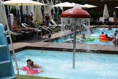 Outdoor swimming pool 12 | Lucky Bansko