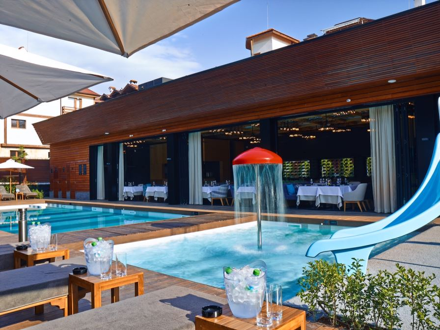 Outdoor pool of the aqua complex   Lucky Bansko SPA & Relax