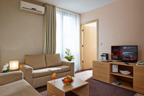 Lucky Bansko Aparthotel SPA & Relax | Livingroom in Lux studio