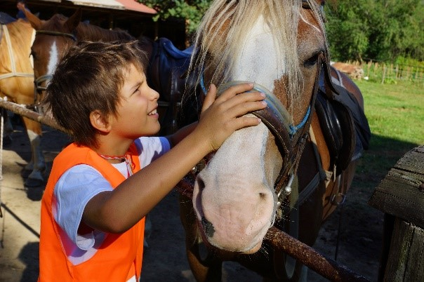 Children with horses in Lucky Kids | Lucky Bansko