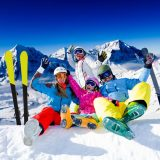 Family on winter ski vacation | Lucky Bansko SPA & Relax