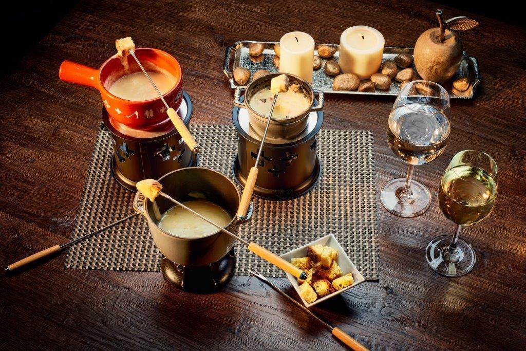 Fundum restaurant - photos of fondue | Lucky Bansko