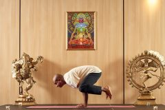 "Yoga pose ""Raven"" | Lucky Bansko"