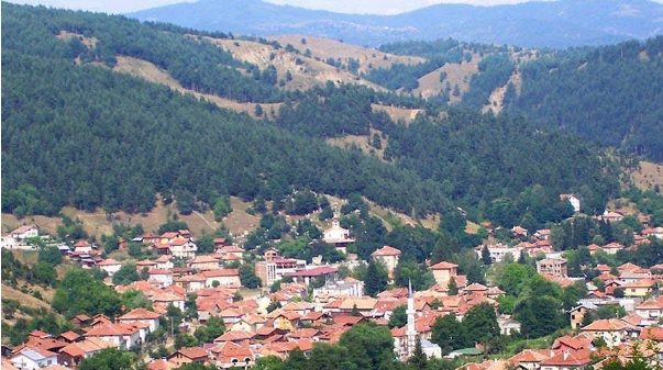 """Located in one of the most beautiful parts of Rila - the Rhodope Massif, surrounded by centuries-old forests, the town of Belitsa is one of the most cozy and fabulous places you can come across. And believe me, you won't want to leave. Haven't you been to Belitsa before? We offer you a short virtual walk, after which, we are sure, you will want to get to know the town better.   The story of Belitsa in several fragments Land inhabited by Celts, Thracians and Romans The land of today's town has been inhabited since ancient times. Prehistoric tribes, Celts, Thracians, Romans, Greeks, Slavs lived in these places. This is evidenced by the numerous archaeological monuments, including the early Neolithic settlement in the town of Raven, a sanctuary of the ancient Thracians in the area """"Babyashka Chuka"""", a Thracian mound in the area """"Belishka Chuka"""" and many others. Beliche and Balya and Beliche Izir or the """"birth"""" of today's Belitsa  Scattered settlements in the vicinity of today's city existed long before our country fell under the Ottoman yoke. Located high in the mountains, the villages were far from the main roads, which gave them independence.  But the change in climatic conditions in the high parts of the mountain forced their population to go down and settle in two neighboring villages - Beliche and Balya and Beliche Izir.  The settlements were first mentioned in Turkish tax registers from 1576, where the number of sheep breeders in them is described. In the 17th century the two settlements merged and gave rise to the present town of Belitsa. Bela Itza or the legend of Belitsa There are many legends about the name of the city, but one of them is very popular with the locals. It tells the story of the self-sacrifice of a girl named Itza, whom everyone called Bela Itza because she was very beautiful. Itza was tall and slender, with large blue eyes, scarlet lips like a well-ripened pomegranate, and hair darker than the darkest night.  Once, while she was working in the"""